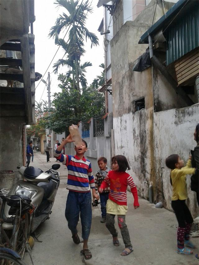 Tết ở gia đình đông con nhất Hà Nội: 30 mùa Xuân, chưa bao giờ vui - Ảnh 3.