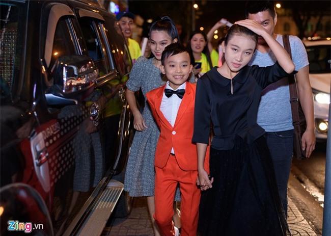 Truong Giang hon Nha Phuong tren tham do hinh anh 8