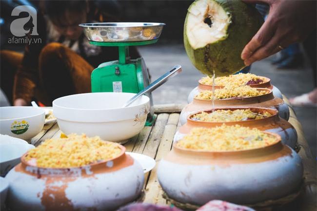 Về làng Vũ Đại giáp Tết, thưởng thức món cá kho đắt gấp trăm lần bình thường mà vẫn cháy hàng - Ảnh 10.