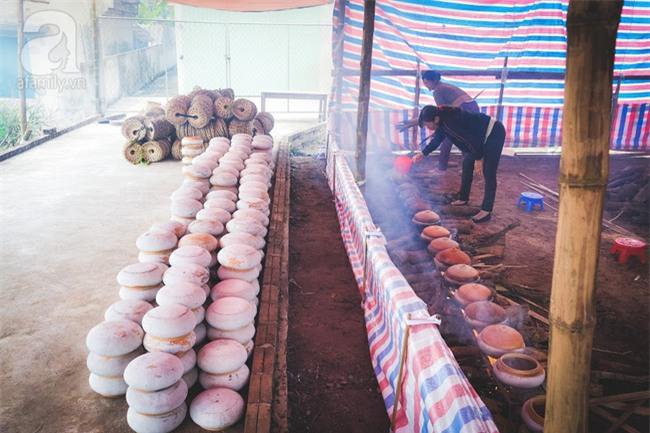 Về làng Vũ Đại giáp Tết, thưởng thức món cá kho đắt gấp trăm lần bình thường mà vẫn cháy hàng - Ảnh 11.