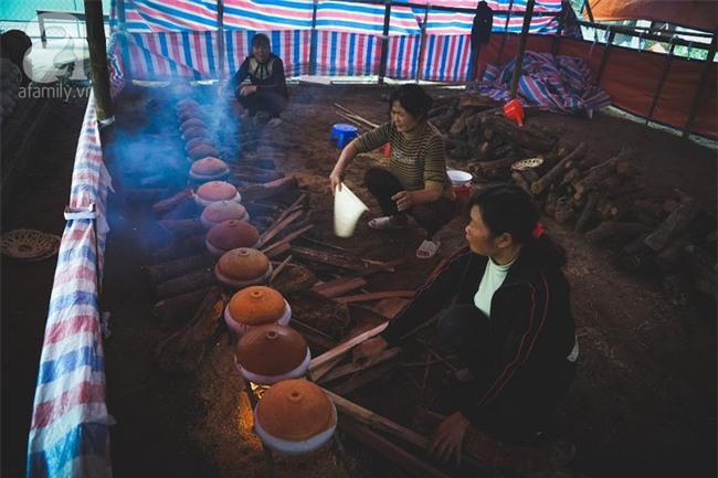 Về làng Vũ Đại giáp Tết, thưởng thức món cá kho đắt gấp trăm lần bình thường mà vẫn cháy hàng - Ảnh 12.