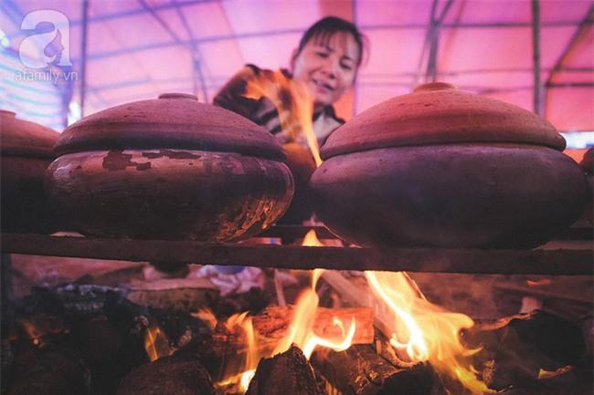 Về làng Vũ Đại giáp Tết, thưởng thức món cá kho đắt gấp trăm lần bình thường mà vẫn cháy hàng - Ảnh 14.