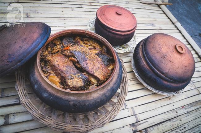 Về làng Vũ Đại giáp Tết, thưởng thức món cá kho đắt gấp trăm lần bình thường mà vẫn cháy hàng - Ảnh 2.