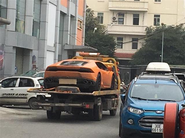 Cặp đôi siêu xe Lamborghini 39 tỷ Đồng được vận chuyển về quê ăn Tết - Ảnh 2.