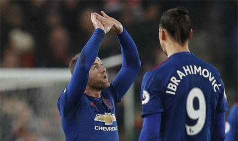 Rooney bây giờ đã là cầu thủ ghi bàn số 1 trong lịch sử M.U