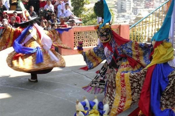 Phong tục thú vị ở những nước đón Tết cổ truyền giống Việt Nam - Ảnh 1.