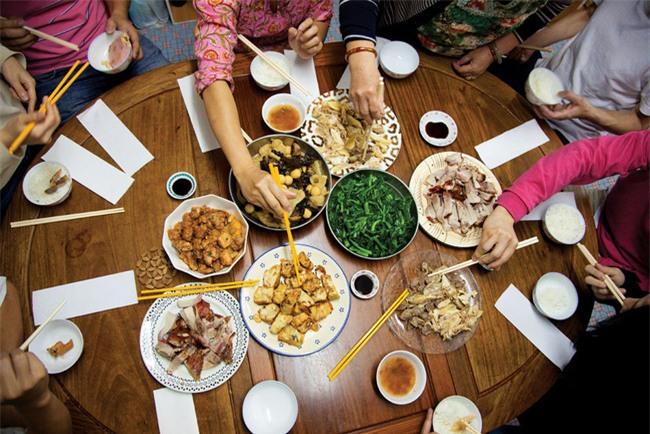 Phong tục thú vị ở những nước đón Tết cổ truyền giống Việt Nam - Ảnh 10.
