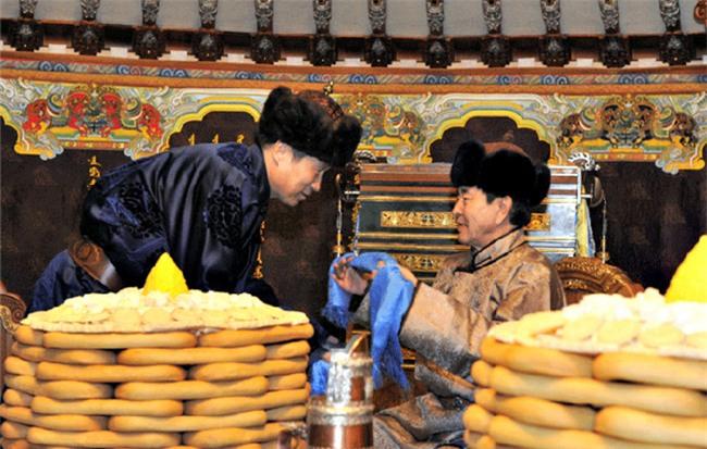 Phong tục thú vị ở những nước đón Tết cổ truyền giống Việt Nam - Ảnh 3.