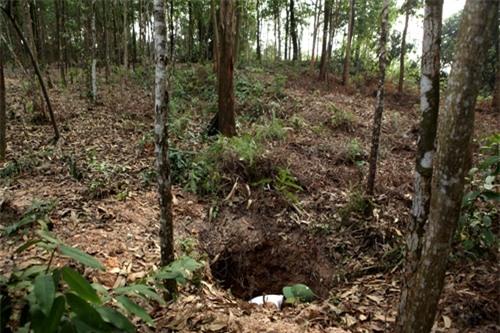Cặp vợ chồng già lưu giữ tục ăn đất cổ xưa ở Vĩnh Phúc - 5