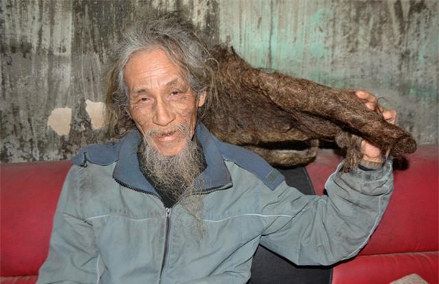 """chuyen ve nguoi dan ong co mai toc """"ma lam"""" 10 nam khong cat - 12"""