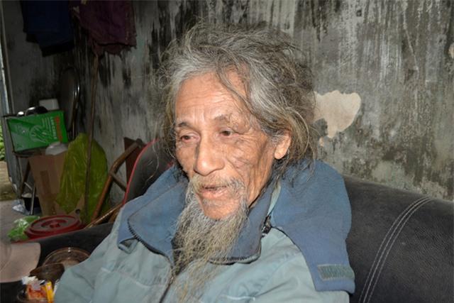 """chuyen ve nguoi dan ong co mai toc """"ma lam"""" 10 nam khong cat - 7"""