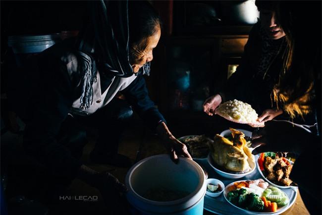 Vợ chồng già nhặt rác ở sông Hồng và cái Tết chưa từng có sau 80 năm - Ảnh 10.