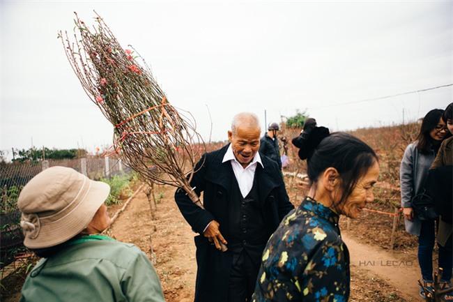 Vợ chồng già nhặt rác ở sông Hồng và cái Tết chưa từng có sau 80 năm - Ảnh 5.