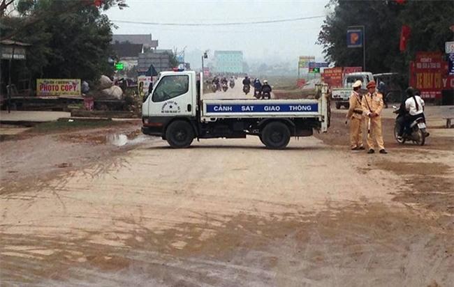 Trên đường đi bán hàng Tết, thiếu nữ bị xe tải đâm tử vong - Ảnh 1.