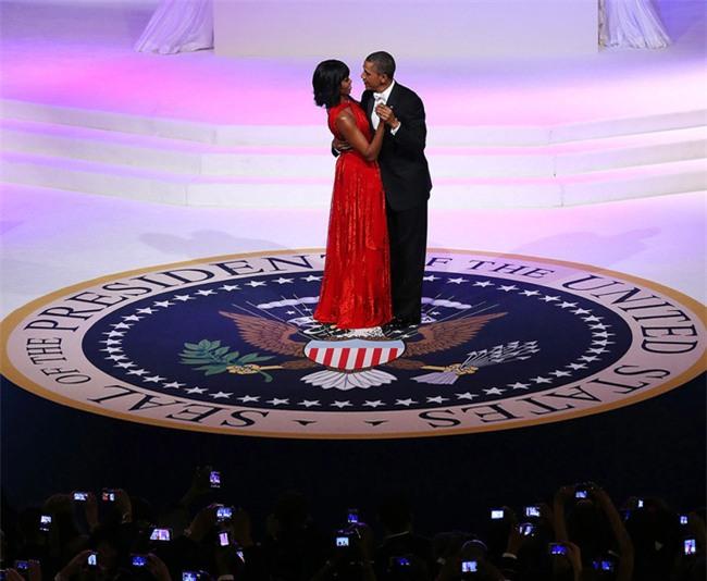 Các Đệ nhất phu nhân Mỹ xinh đẹp nhường nào trong dạ tiệc khiêu vũ mừng lễ nhậm chức của chồng? - Ảnh 21.