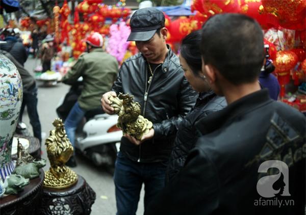 Hà Nội: Xuất hiện gà đồng cao hơn 1 mét nặng 30kg, giá 25 triệu đồng - Ảnh 14.