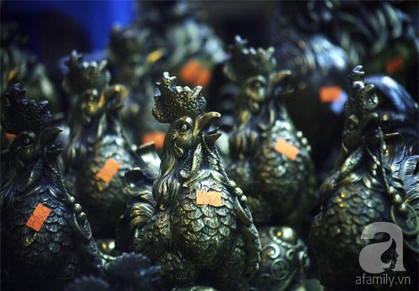Hà Nội: Xuất hiện gà đồng cao hơn 1 mét nặng 30kg, giá 25 triệu đồng - Ảnh 7.