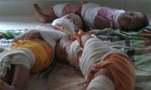 3 giáo viên mầm non trói tay chân, bịt miệng 3 trẻ nhỏ gây phẫn nộ - 1