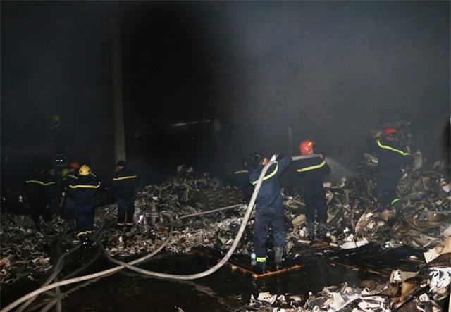 Vụ cháy cũng đã gây thiệt hại về tài sản.