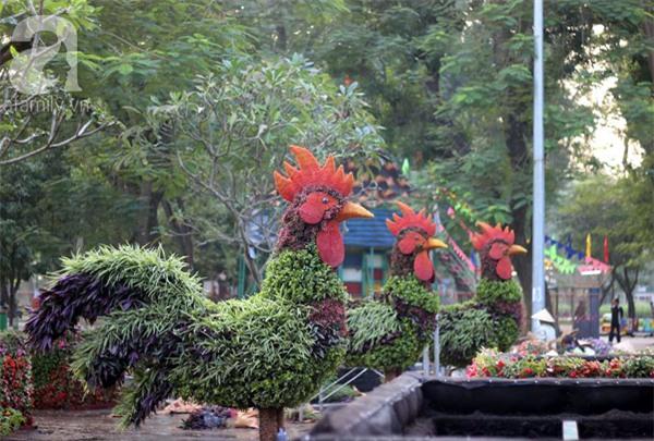 Người Hà Nội sắp được chiêm ngưỡng 12 con giáp bằng cây và hoa thật dịp Tết - Ảnh 1.