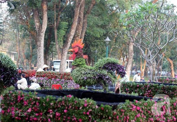 Người Hà Nội sắp được chiêm ngưỡng 12 con giáp bằng cây và hoa thật dịp Tết - Ảnh 15.