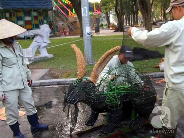 Người Hà Nội sắp được chiêm ngưỡng 12 con giáp bằng cây và hoa thật dịp Tết - Ảnh 9.