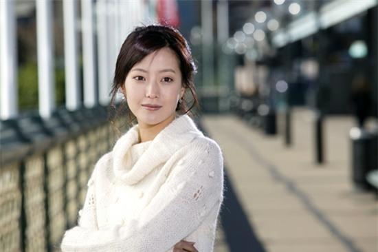 14 năm một tượng đài, Kim Hee Sun vẫn là nữ thần không tuổi của màn ảnh Hàn - Ảnh 21.
