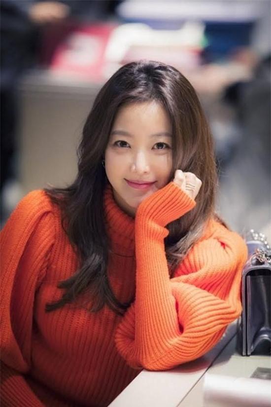 14 năm một tượng đài, Kim Hee Sun vẫn là nữ thần không tuổi của màn ảnh Hàn - Ảnh 4.