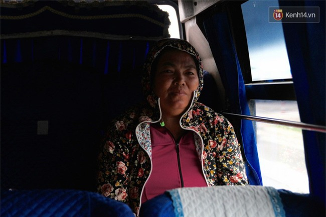 Chuyện đời, tình người trên chuyến xe 0 đồng đưa người nghèo mưu sinh ở Sài Gòn về quê ăn Tết - Ảnh 5.