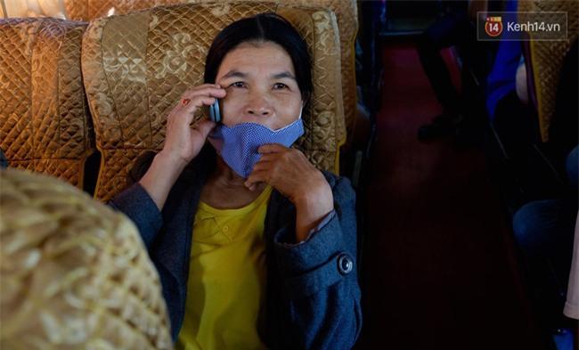 Chuyện đời, tình người trên chuyến xe 0 đồng đưa người nghèo mưu sinh ở Sài Gòn về quê ăn Tết - Ảnh 7.