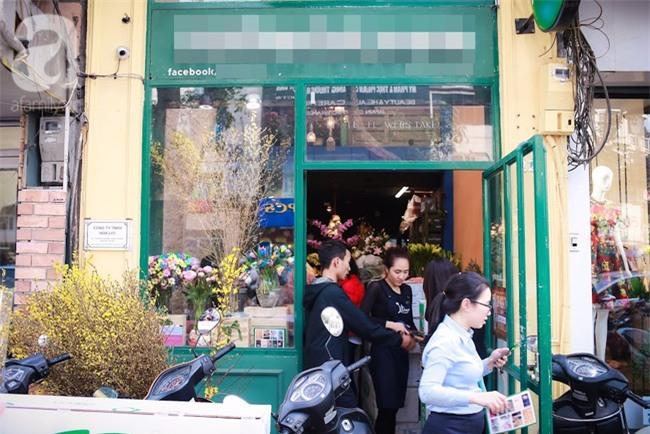 Hà Nội: Chi 72 triệu để mua hoa tươi nhập khẩu đủ tiêu chí độc và đẹp về chơi Tết - Ảnh 1.