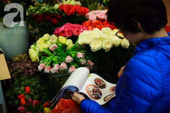 Hà Nội: Chi 72 triệu để mua hoa tươi nhập khẩu đủ tiêu chí độc và đẹp về chơi Tết - Ảnh 11.