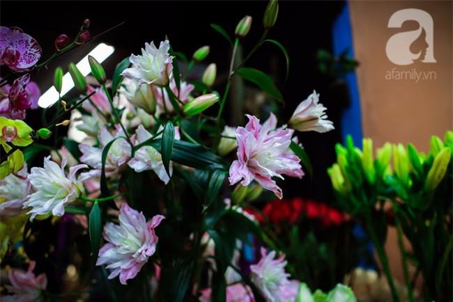 Hà Nội: Chi 72 triệu để mua hoa tươi nhập khẩu đủ tiêu chí độc và đẹp về chơi Tết - Ảnh 20.