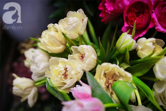 Hà Nội: Chi 72 triệu để mua hoa tươi nhập khẩu đủ tiêu chí độc và đẹp về chơi Tết - Ảnh 22.