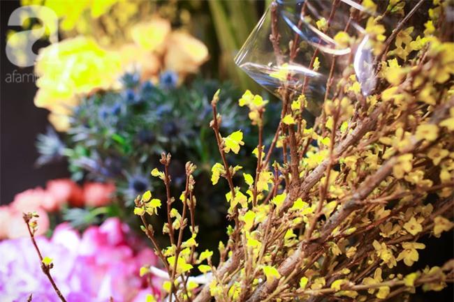 Hà Nội: Chi 72 triệu để mua hoa tươi nhập khẩu đủ tiêu chí độc và đẹp về chơi Tết - Ảnh 4.