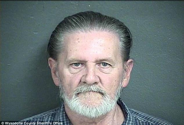 Cướp ngân hàng để trốn vợ, người đàn ông thỏa ước nguyện khi đối mặt 20 năm tù giam - Ảnh 1.