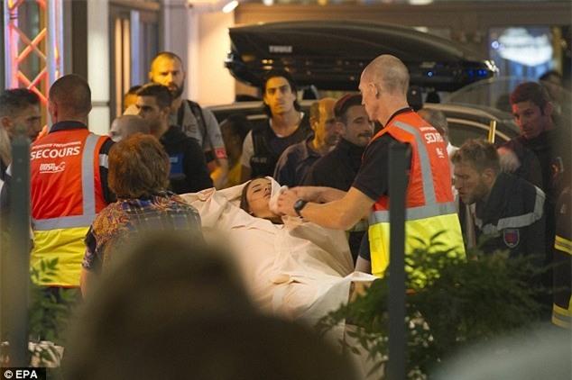 Nhìn lại những câu chuyện xúc động và kỳ diệu sau các vụ khủng bố rúng động - Ảnh 3.