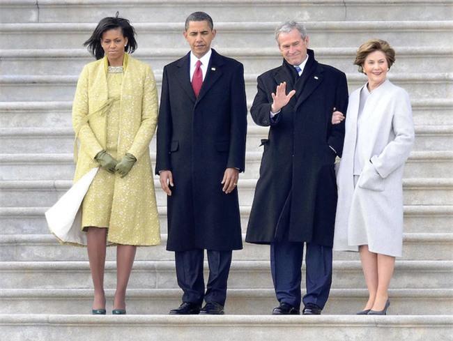 Không phải vợ chồng Tổng thống Trump không tình cảm, chỉ là do họ quá căng thẳng mà thôi - Ảnh 2.