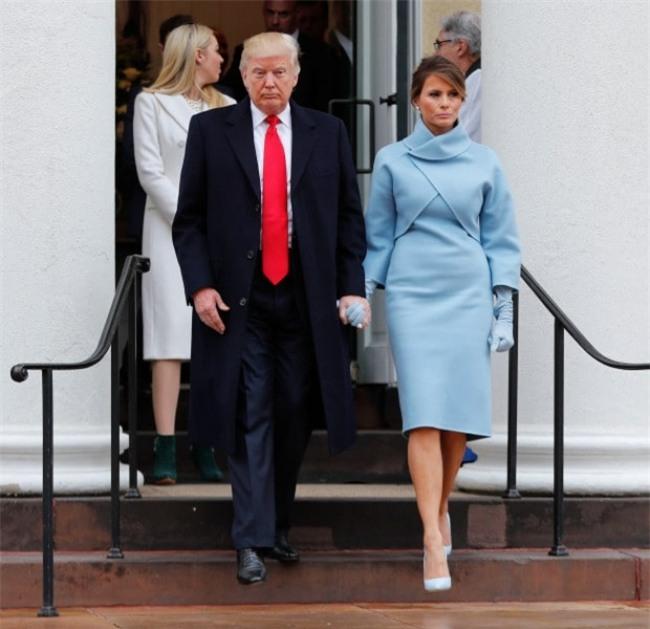 Không phải vợ chồng Tổng thống Trump không tình cảm, chỉ là do họ quá căng thẳng mà thôi - Ảnh 3.