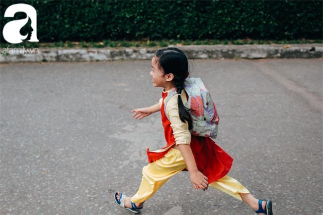 Trẻ em đón Tết khắp phố phường, công viên, và cả ga tàu... - Ảnh 7.