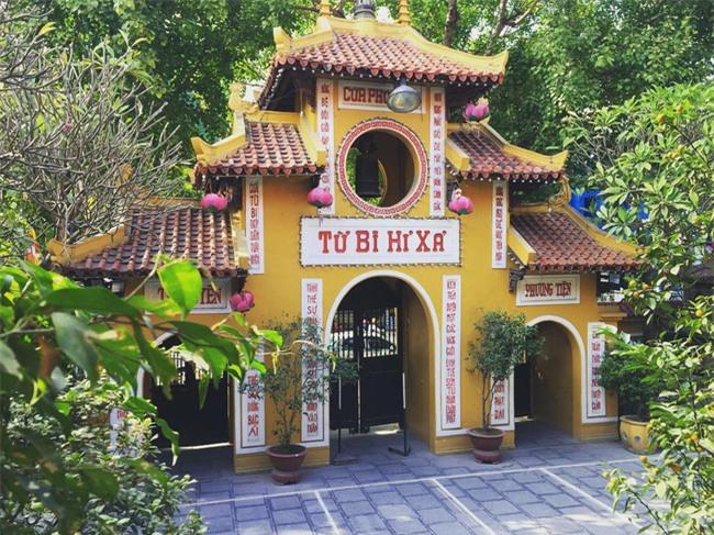 15 ngôi chùa linh thiêng nên đi lễ dịp đầu năm ở Hà Nội, Sài Gòn - Ảnh 1.