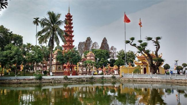 15 ngôi chùa linh thiêng nên đi lễ dịp đầu năm ở Hà Nội, Sài Gòn - Ảnh 2.
