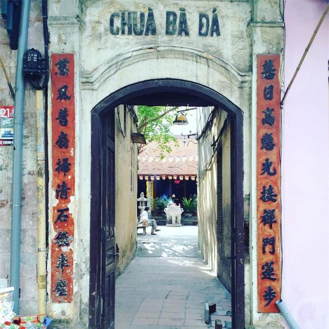 15 ngôi chùa linh thiêng nên đi lễ dịp đầu năm ở Hà Nội, Sài Gòn - Ảnh 3.