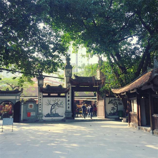 15 ngôi chùa linh thiêng nên đi lễ dịp đầu năm ở Hà Nội, Sài Gòn - Ảnh 6.