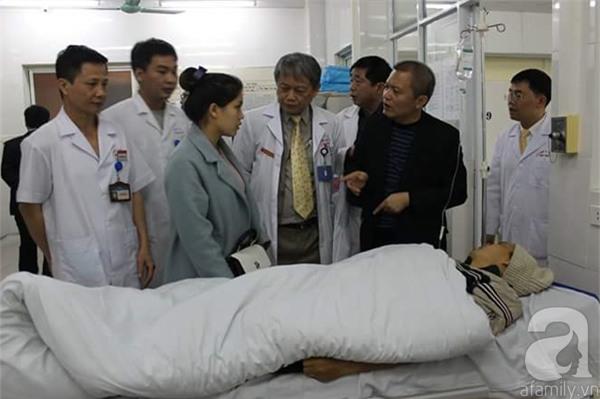 Hà Nội: Một bệnh nhân ngộ độc do uống nhầm rượu xoa bóp trong đêm giao thừa - Ảnh 1.