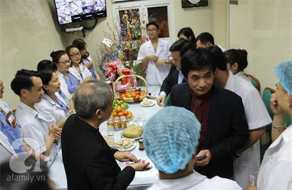 Hà Nội: Một bệnh nhân ngộ độc do uống nhầm rượu xoa bóp trong đêm giao thừa - Ảnh 2.