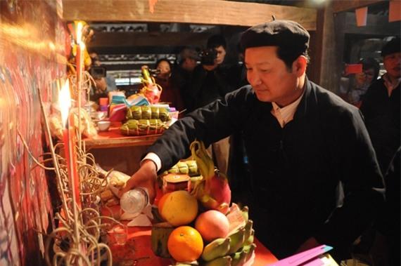 1.bai-khan-to-tien-chuan-nhat-vao-mung-2-tet-dinh-dau-2017--phunutoday.vn