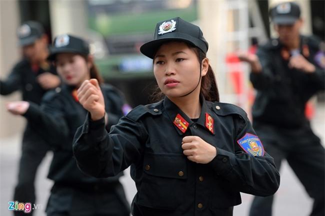 Tết của những bóng hồng cảnh sát đặc nhiệm - Ảnh 3.