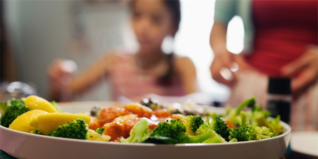 Ăn uống đúng thời điểm như này mới giúp khỏe mạnh, giảm cân - Ảnh 1.