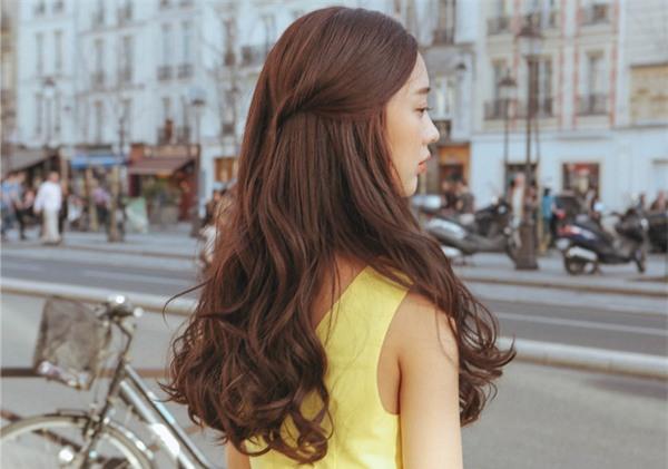 4 kiểu tóc đẹp duyên dành cho nàng tóc dài chán để tóc xoã - Ảnh 23.